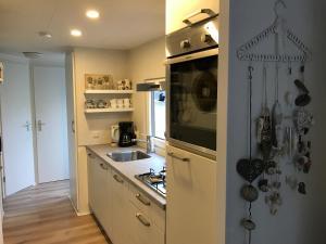 A kitchen or kitchenette at Effe Wad