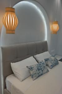 A seating area at Aggeliki's Diamond