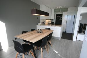 A cozinha ou cozinha compacta de Modern Apartment next to the sea front - Cascais