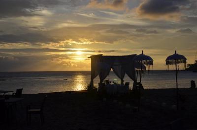 龙目岛圣吉吉海滩奇拉酒店