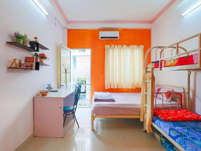 Color House Hostel