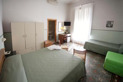塞丽娜酒店