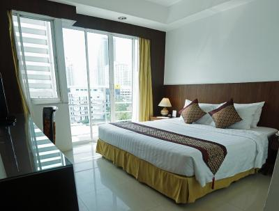 Best Western Mayfair Suites (貝斯特韋斯特美菲套房酒店)
