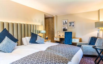 A bed or beds in a room at Salisbury Green Hotel & Bistro