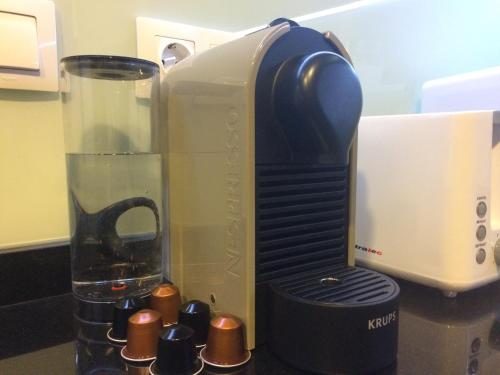 Coffee and tea-making facilities at Casa inteligente