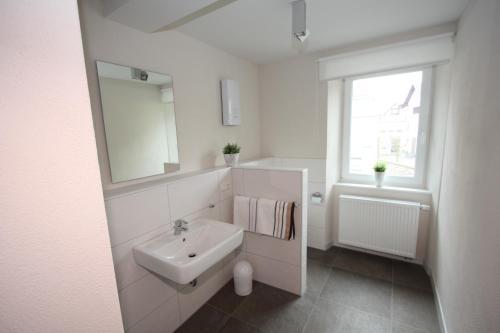 Ein Badezimmer in der Unterkunft Eifelhof Brohl