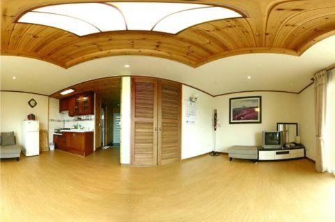 The lobby or reception area at Jisakke Poongyeong Pension