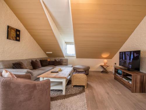 Ein Sitzbereich in der Unterkunft Südtiroler Stube