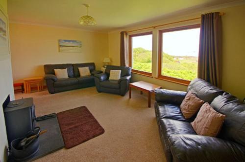 A seating area at Eilean Feoir