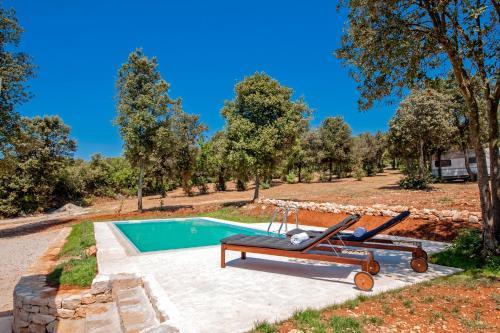 The swimming pool at or close to Villa David