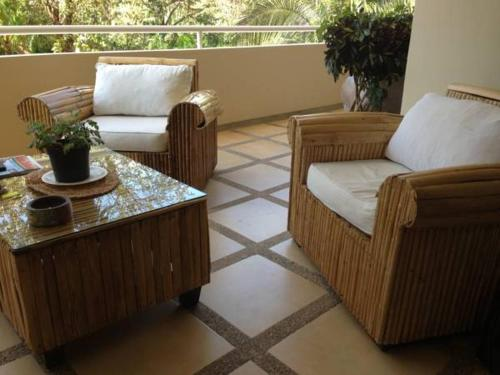 A seating area at Montelaguna Residence
