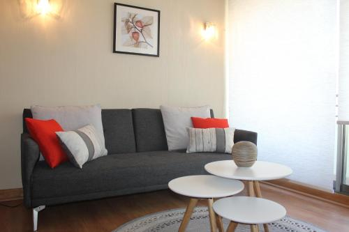 A seating area at Apartamento Superior JV Lastarria