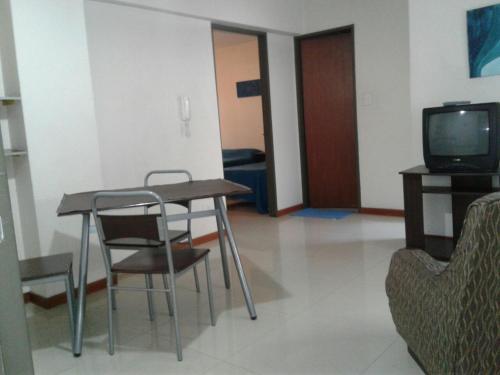 Una televisión o centro de entretenimiento en Departamento Aconcagua