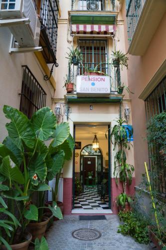 Pensión Pensión San Benito Abad España Sevilla Booking Com