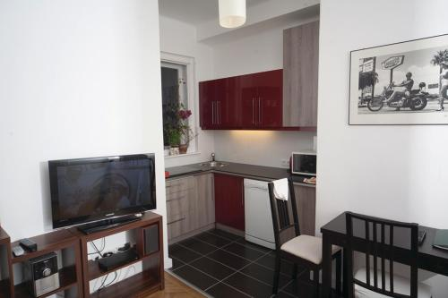 A television and/or entertainment center at Judy and Sandor Apartmen