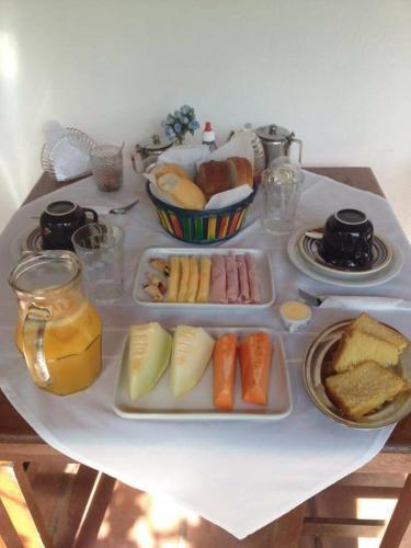 Opciones de desayuno disponibles en Pousada Canto Caicara