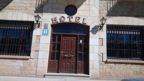 Hotel Villarreal (Spanje Palacios de la Sierra) - Booking.com