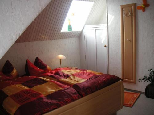 Ein Bett oder Betten in einem Zimmer der Unterkunft Haus Wiesel
