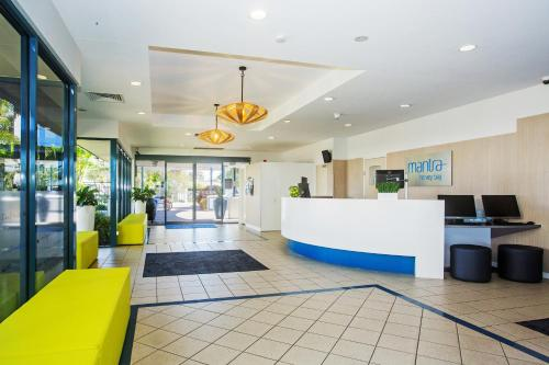 The lobby or reception area at Mantra Hervey Bay