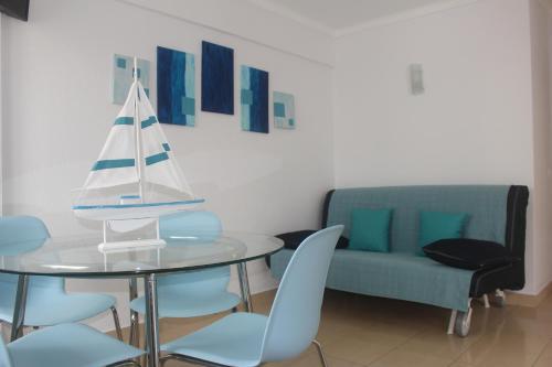 A seating area at Apartamento Mar