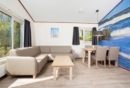 A seating area at Roompot Kustpark Egmond aan Zee