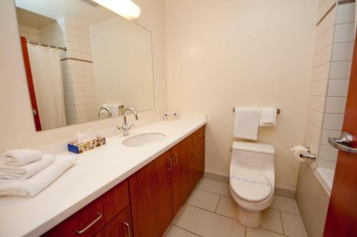 A bathroom at Residence & Conference Centre - Kamloops