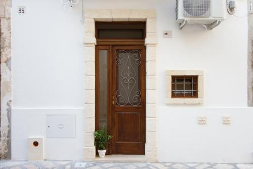 Fasada ili ulaz u objekt casa morelli 33