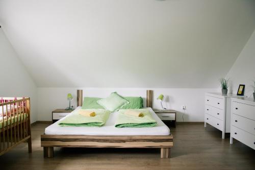 Postel nebo postele na pokoji v ubytování Haus Jolana Lipno