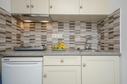 A kitchen or kitchenette at Summer Dream 1