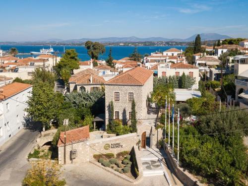 Een luchtfoto van Mare Monte Luxury Suites