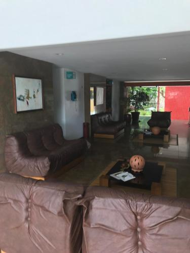 A seating area at Barra Summer flat