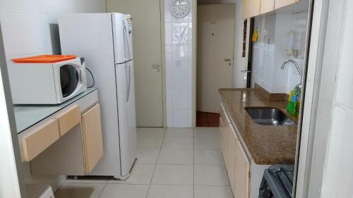 A kitchen or kitchenette at Apartment Atlantis