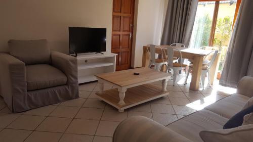 A seating area at Sandbaai Hermanus