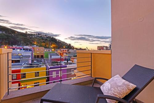 A balcony or terrace at Luxurious Penthouse Apartment in Colourful Bo Kaap