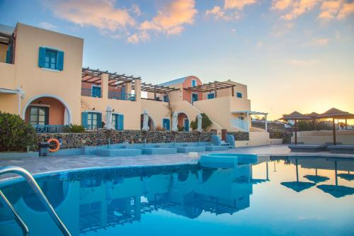 The swimming pool at or near Anemoessa Villa