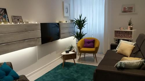 A seating area at Apartment Hartera Rijeka
