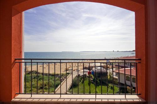 A balcony or terrace at Carina Beach