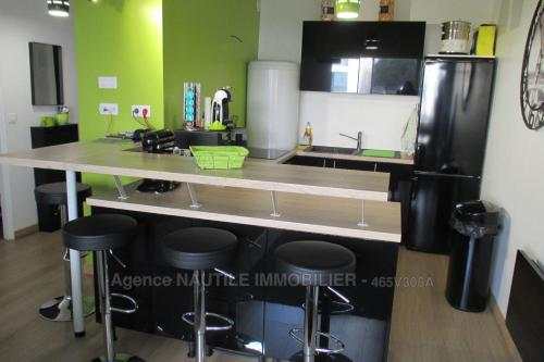 A kitchen or kitchenette at Miracle Morning