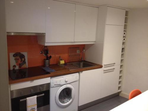 A kitchen or kitchenette at Studio in the heart of Alfama