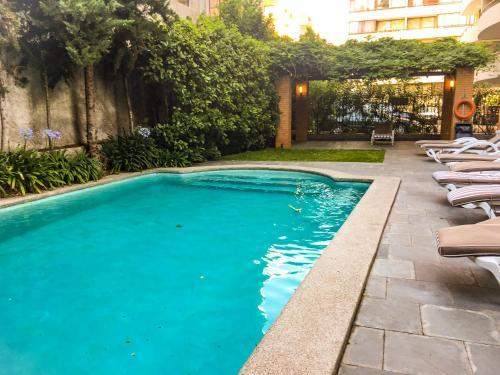Piscina en o cerca de El Golf Apartments Chile