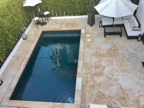 A view of the pool at Selby Ave Guest House or nearby