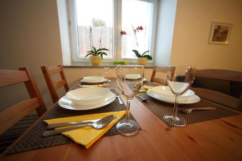A restaurant or other place to eat at Danijela & Gregor