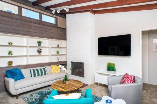 A seating area at Three-Bedroom in Point Loma