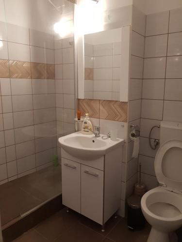 O baie la cozy apartment in a quiet area