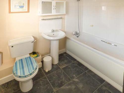 A bathroom at Captains Retreat