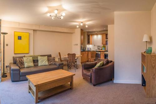 A seating area at Beautiful flat in amazing city centre location