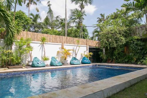 The swimming pool at or close to Villa Skyler