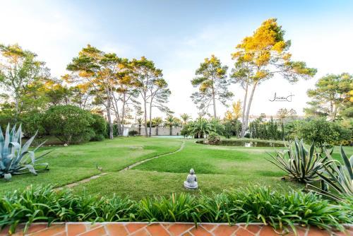 A garden outside Can Zou Zou