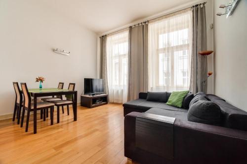 Een zitgedeelte bij AMAVI Černá Apartment