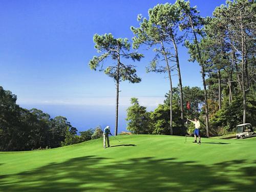 Instalaciones para jugar al golf en el apartamento o alrededores